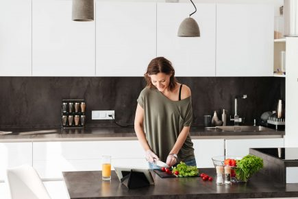 How to Plan Meals During Your Kitchen Installation